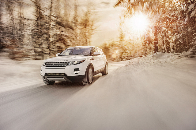 1land-rover-range-evoque-pure-plus-dynamic-ad-commercial-automotive-photographer-dziekonski-53-northeast-car-winter-snow-cold-front-thumb