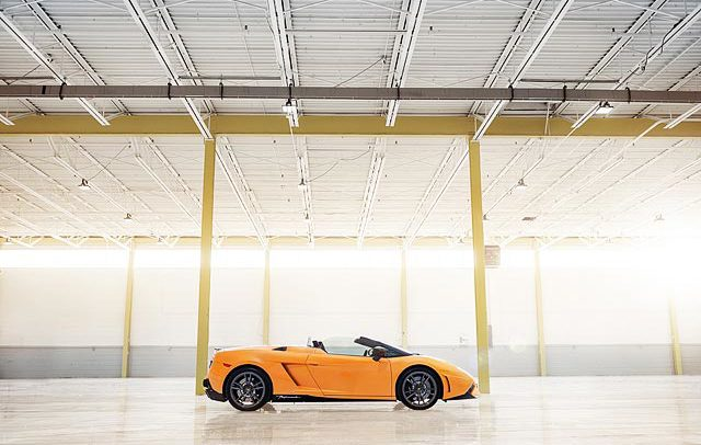Commercial and advertising photograph of Lamborghini Gallardo Performante