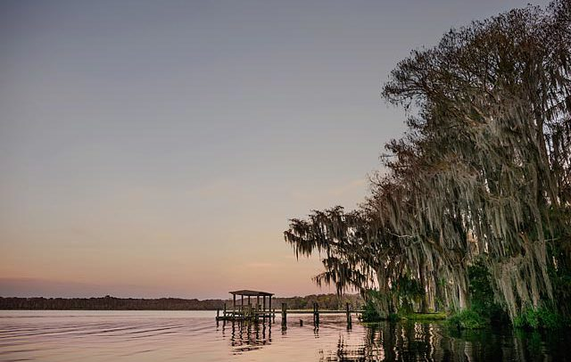 Landscape leisure photograph of quint lake in Clearwater, Florida